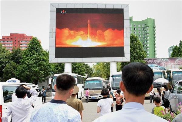 ICBM再発射で平壌市民「世界に威力見せつけた」のサムネイル画像