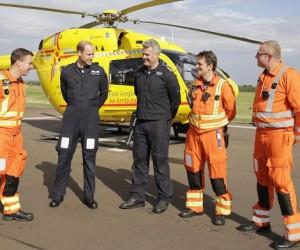 【英王室】ウィリアム王子にヘリで救助された男性「意識が戻ると王子がいて驚いた」のサムネイル画像