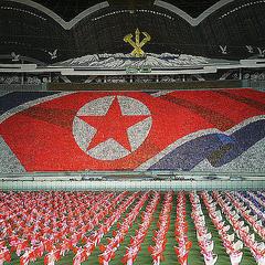 【衝撃】侮れない北朝鮮のローテク軍事力…パラグライダーで斬新な奇襲攻撃練習wwwwwのサムネイル画像