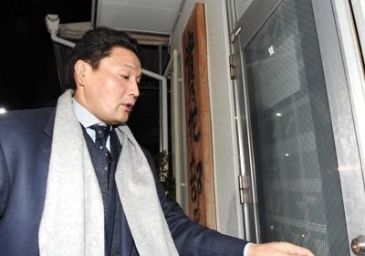 【速報】相撲協会、貴乃花親方に辞任解任wwwwwwwwwww のサムネイル画像