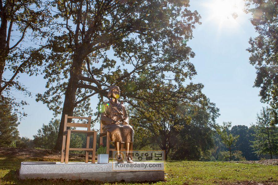 【嫌がらせ】「日本祭り」が開かれる米国の公園に 「平和の少女像」→ 祭りで広報活動も開始へwwwwwwwwwwのサムネイル画像