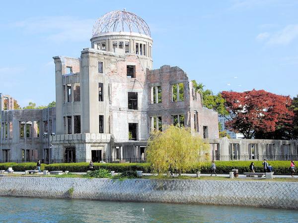 毎日新聞「トランプ氏は核被害に無関心だ。広島に来て被爆者の話を聞き、人間性を…」 のサムネイル画像