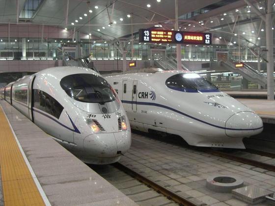 日本人「中国高速鉄道は新幹線のパクリ」→ 支那人「パクリじゃねーよ!!!」のサムネイル画像