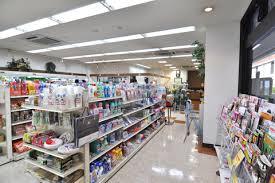 【悲報】コンビニで店員が万引き客に注意した結果・・・のサムネイル画像