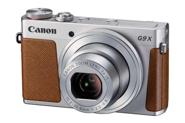 【超速報】iPhoneのカメラは廉価版のコンデジのはるか上にいることが完全に確定wwwwwwwwwwwwwwのサムネイル画像