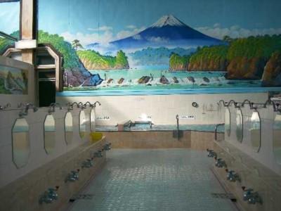 銭湯経営者、性欲を満たすためにスマホで入浴中の女性を盗撮wwwwwwwwwwwのサムネイル画像