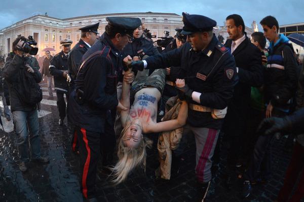 【画像】コンクラーベにウクライナのエロテロリスト キタ━ヽ( ゚∀゚)ノ┌┛)`Д゚)・;'━!!のサムネイル画像