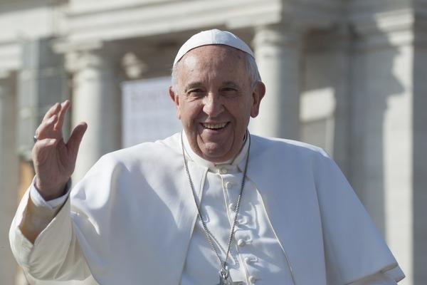 【衝撃】ローマ法王「紛争地から逃げる難民に一時ビザを出すことはできないか?」のサムネイル画像