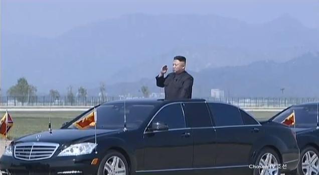 北朝鮮が大迫力の砲撃訓練の映像を公開 金正恩はご満悦の模様のサムネイル画像