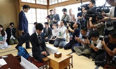 【速報】30連勝をかけた藤井聡太四段、佐々木勇気五段との対局の結果・・・のサムネイル画像