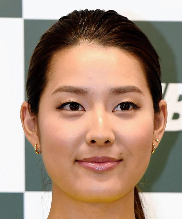 【芸能】ハリウッドを目指す女優・すみれ(27)、日本のバラエティーに嫌悪感wwwwwwwwwのサムネイル画像