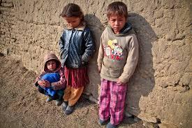 【悲報】「貧しい人ほど独裁的な政治家を求める」世界69ヵ国14万人で調査・・・のサムネイル画像