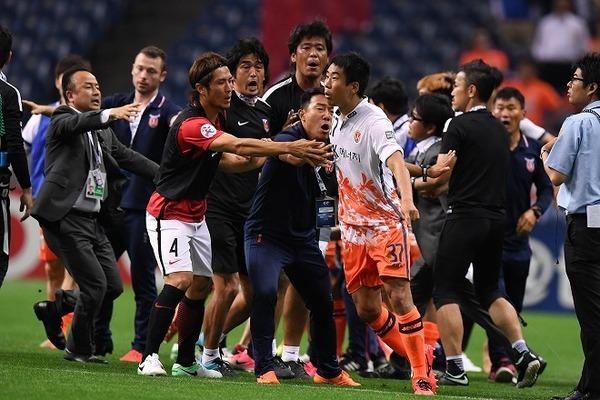 【サッカー乱闘】処分確定 浦和に220万円の罰金wwwwwwwwwwwwwwwwwwのサムネイル画像