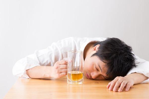 【狂気】3歳男児の尿を飲んだ男の末路・・・のサムネイル画像