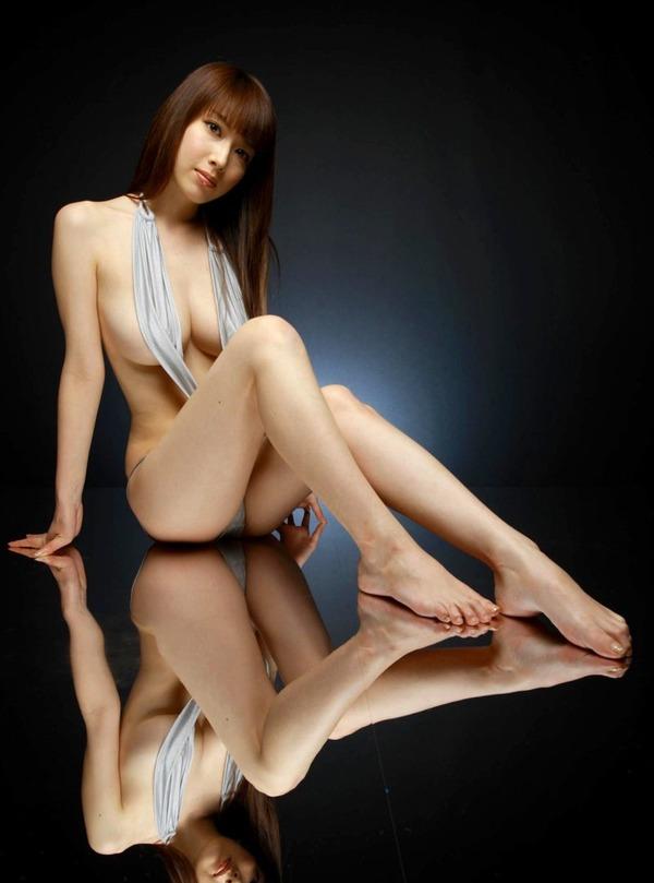 "【AKB48】小嶋陽菜、極上""猫ボディ""で悩殺 「芸能界引退も考えた」知られざる胸の内を明かすのサムネイル画像"