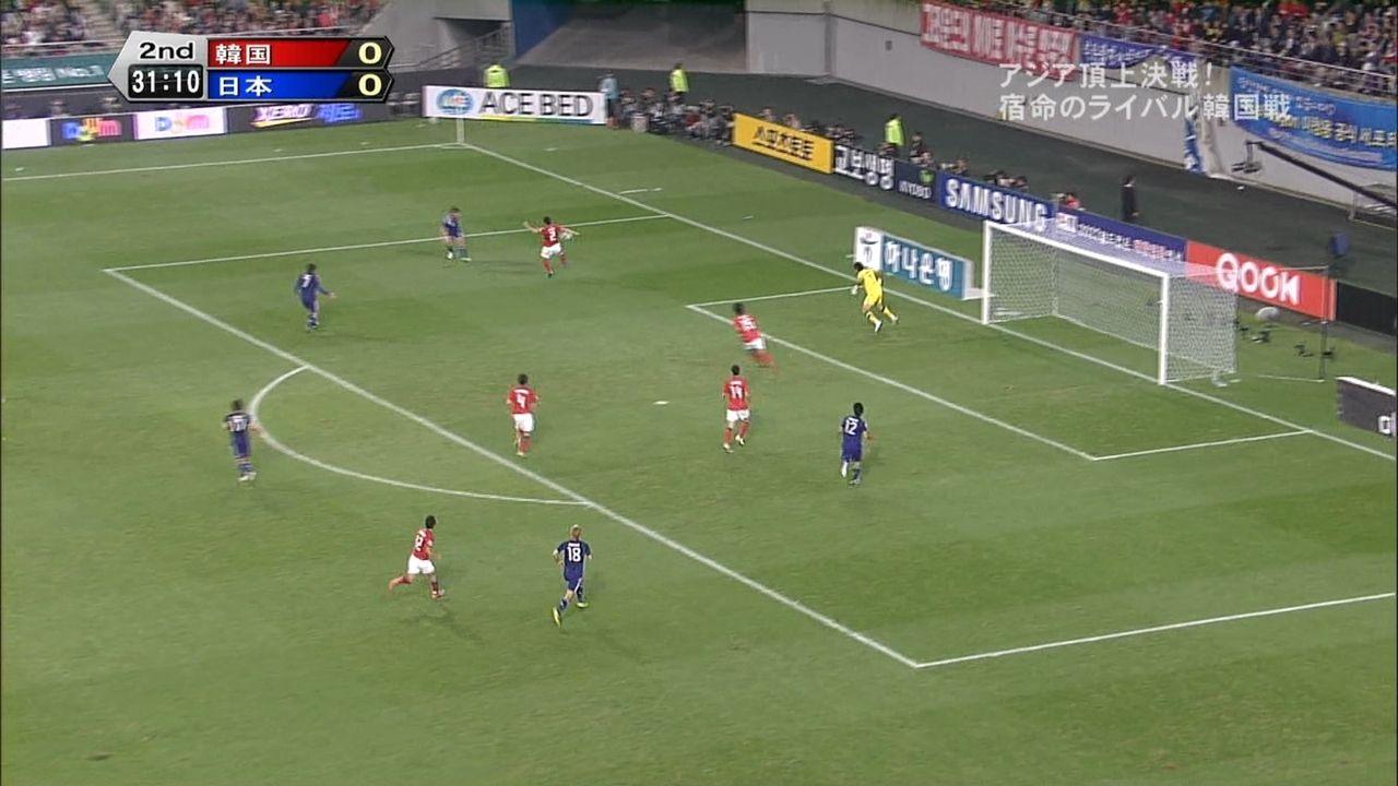 【サッカー】日韓親善試合で明らかなハンドがスルーされるのサムネイル画像