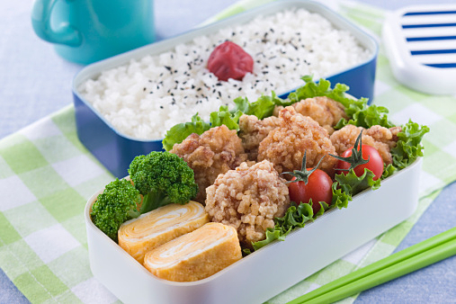 【衝撃】最近の高校生の昼食がヤバすぎる件wwwwwwwwwwwwwwwwwのサムネイル画像