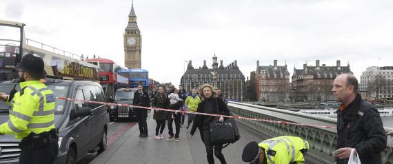 【死刑は野蛮】イギリステロ発生 → 警察が容疑者に「50発の弾丸」を撃ち込む・・・のサムネイル画像