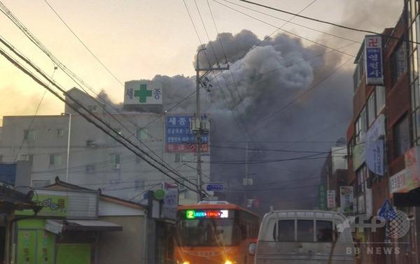 【悲報】韓国の病院火災、一部患者はベッドに拘束されていた模様・・・のサムネイル画像