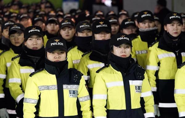 【これはヤバイ】平昌で新たに警官12人ノロ確定 → しかも症状を訴えている人数がwwwwwwwwwwのサムネイル画像