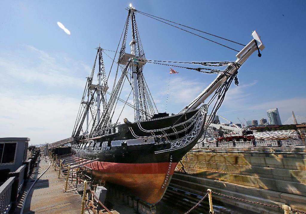 【米国】世界最古の現役軍艦「USSコンスティチューション」、補修終了 1797年就役のサムネイル画像