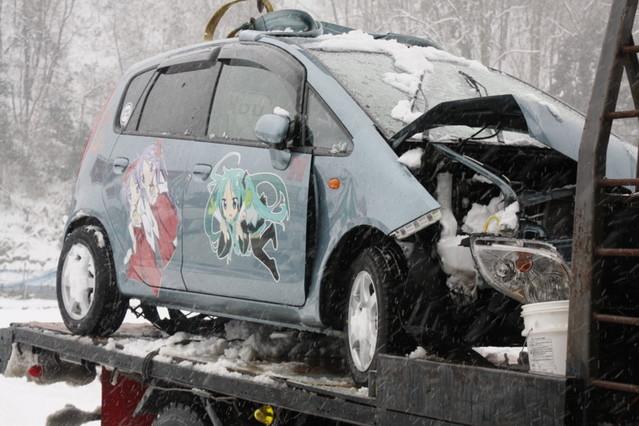 新年早々痛車が痛い目に・・・ (ノ∀`)アチャーのサムネイル画像