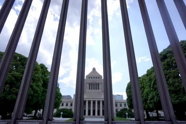 【安倍vs財務省】19年「消費税アップ」再々延期 クル━━━━(゚∀゚)━━━━!!のサムネイル画像
