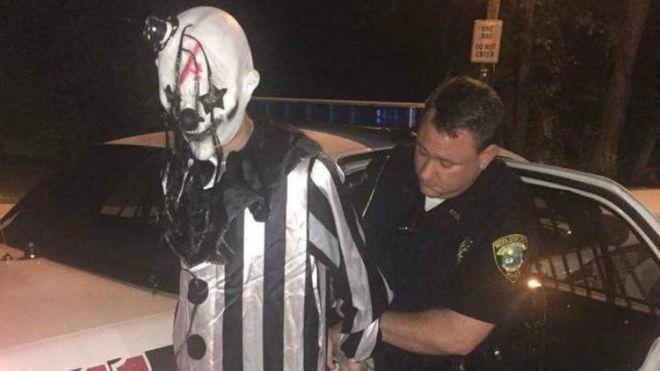 【※閲覧注意】アメリカでピエロが逮捕wwwwwwww なんでピエロって怖いの?のサムネイル画像