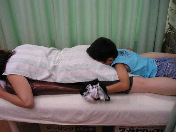 【大阪】女性の太ももに突進し尻に顔をうずめる 通称「タックル魔」逮捕wwwwwwwwwwwwのサムネイル画像