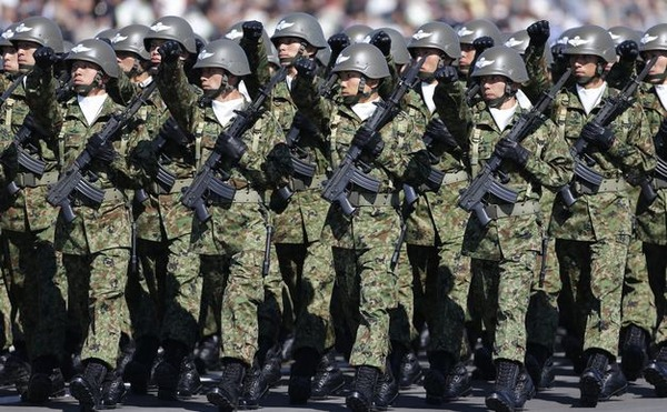【衝撃】高卒で自衛隊に入ったヤツの給料wwwwwwwwwwwwwのサムネイル画像