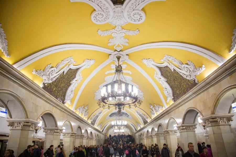 【画像】モスクワの地下鉄駅カッコよすぎワロタwwwwwwwwwwwwwwwwww