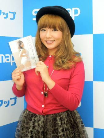 元AKB48、SDN48の野呂佳代(29)、ストリップ劇場のステージを体験…DVD「Sunngoku Dekai No このお尻、見慣れたかしら?」をPRのサムネイル画像