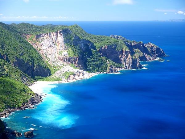 東京都「小笠原諸島に空港つくるぞー」羽田から2時間半で行ける模様wwwwwwwwwwのサムネイル画像