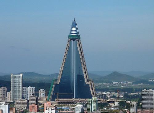 北朝鮮の105階建てホテルがいよいよ完成、韓国専門家「このホテルは倒壊する」のサムネイル画像