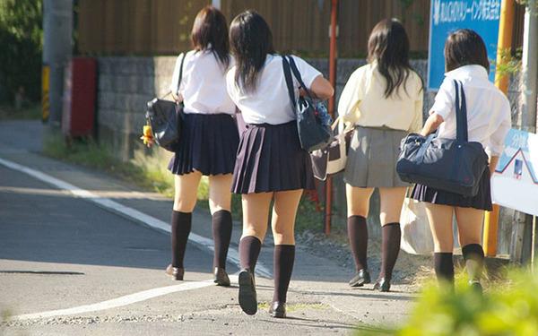 【性風俗】デリヘルで女子高生を働かせた経営者ら逮捕 →  JKの人数がこちらwwwwwのサムネイル画像