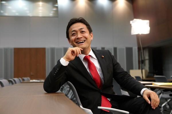 【希望の党】玉木氏「安倍首相の発言は、まるで王様のようだ!憲法を踏みにじるな!」のサムネイル画像