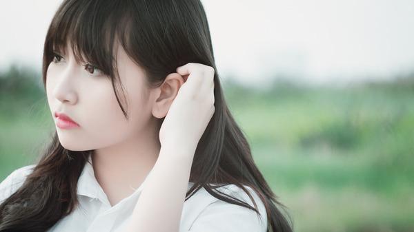 【衝撃】若い女性には特有の甘い香りがあり、それは加齢とともに失われていくことが判明wwwwwwwwwww のサムネイル画像