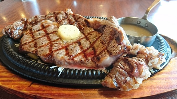 【悲報】女さん「彼氏がステーキ肉を下準備なしで焼き始めて失望した・・・」 のサムネイル画像