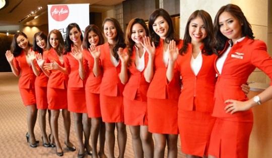 【けしからん】エアアジアのCAの制服がエロすぎた結果wwwwwwwwwwwのサムネイル画像