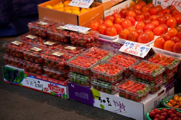 【悲報】カーリング女子日本代表「韓国のイチゴはびっくりするぐらいおいしくて、お気に入りでした!」 のサムネイル画像