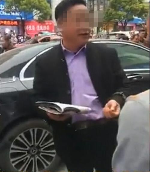 【中国】ベンツで女性をひきコロした男、トンデモ発言で中国ネットをも激怒させてしまうのサムネイル画像