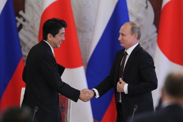 【G20】プーチン氏、いきなり安倍晋三首相に謝罪のサムネイル画像