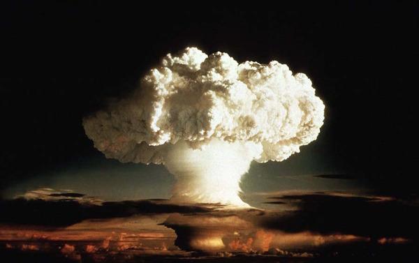 【北朝鮮】新たな脅威「水素爆弾EMP」400キロ上空で爆発させればアメリカ全域が麻痺の可能性・・・のサムネイル画像