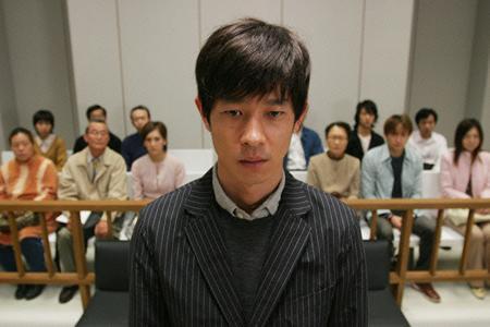 【抗議死】上野駅で「手を触った」と痴漢とがめられた男性、逃走後ビルから転落死へ・・・のサムネイル画像