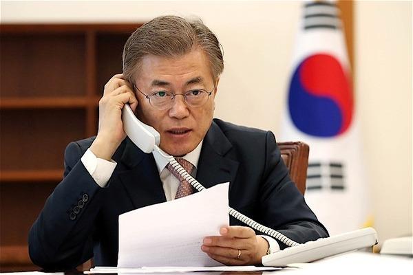 【韓国】文大統領の支持率、2週連続で下落へwwwwwwwwwwwwwwwのサムネイル画像