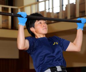 「1分間に懸垂30回」女性消防隊員がギネス記録達成 松江市北消防署のサムネイル画像