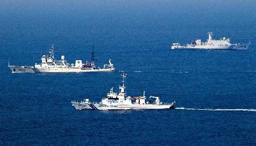【速報】中国公船4隻、沖縄・尖閣沖の領海に侵入のサムネイル画像