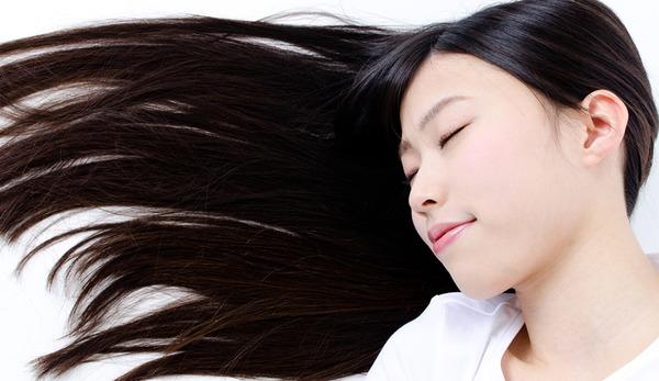 【閲覧注意】頭髪を失った人へ少女が長年伸ばした髪をプレゼントした結果wwwwwwwwwwwwwのサムネイル画像