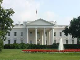 トランプ大統領「ホワイトハウスでは、女性スタッフは女性らしい恰好をしろ。ったく」のサムネイル画像