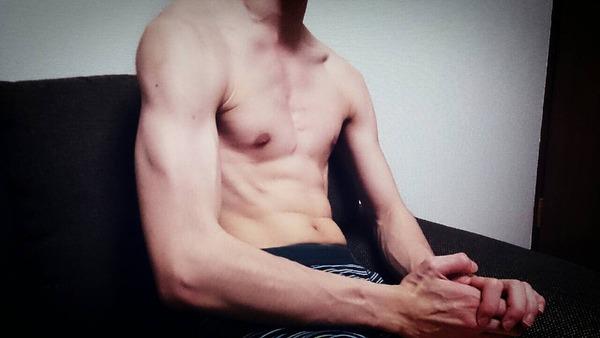 糞ガリの俺が1ヶ月腹筋ローラーやった結果wwwwwwのサムネイル画像